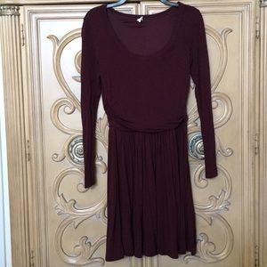 Old Navy maroon side pleated soft dress euc SP